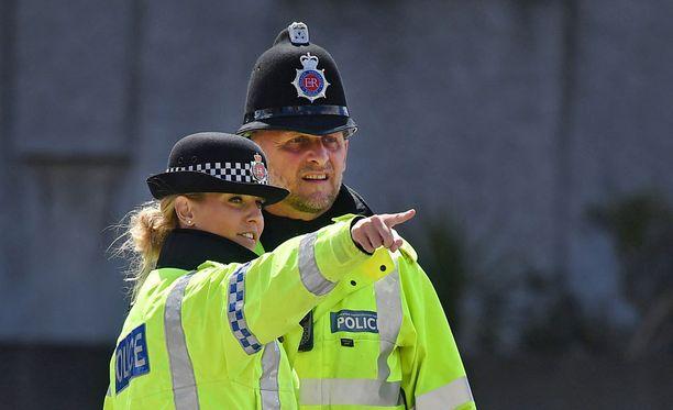 Poliisi pyytää ihmisiä rahoittumaan some-spekulaatioissaan.