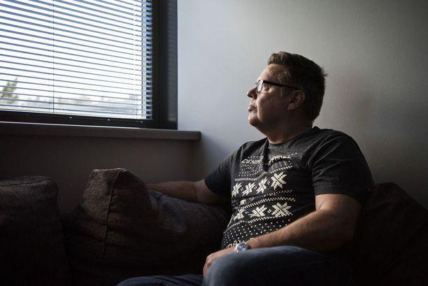 Jari Aarnio on yksi niistä, jotka tuomittiin pitkiin vankeusrangaistuksiin Hollannissa tapahtuneesta rikoksesta, jonka KRP yllytti Suomeen vastoin lähettäjän tahtoa.