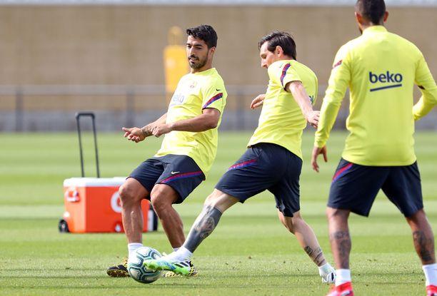 Leo Messi saa loukkaantumisen jäljiltä kuntoutuneen Luis Suárezin vierelleen.