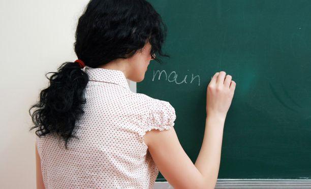Kuva opettajasta levisi salamannopeasti oppilaiden keskuudessa. Kuvituskuva.