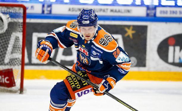 Markus Nenonen päätti kauden Tapparassa.