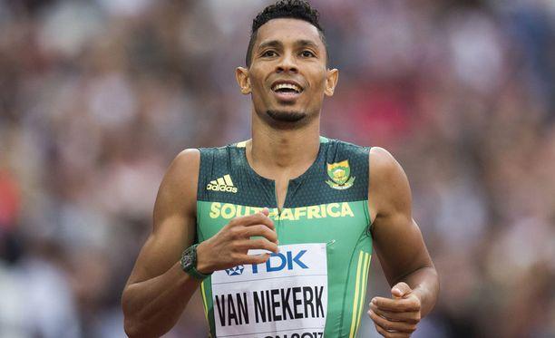 Etelä-Afrikan Wayde van Niekerk on MM-suosikki 400 metrillä.