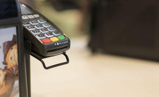 Esimerkiksi kaupoissa ei häiriön aikaan ole voinut maksaa käteisellä.