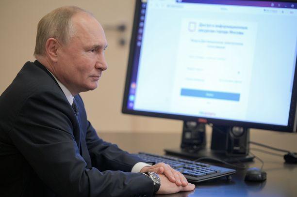 Venäjän vaalit sujuivat ennakkokäsikirjoituksen mukaisesti.