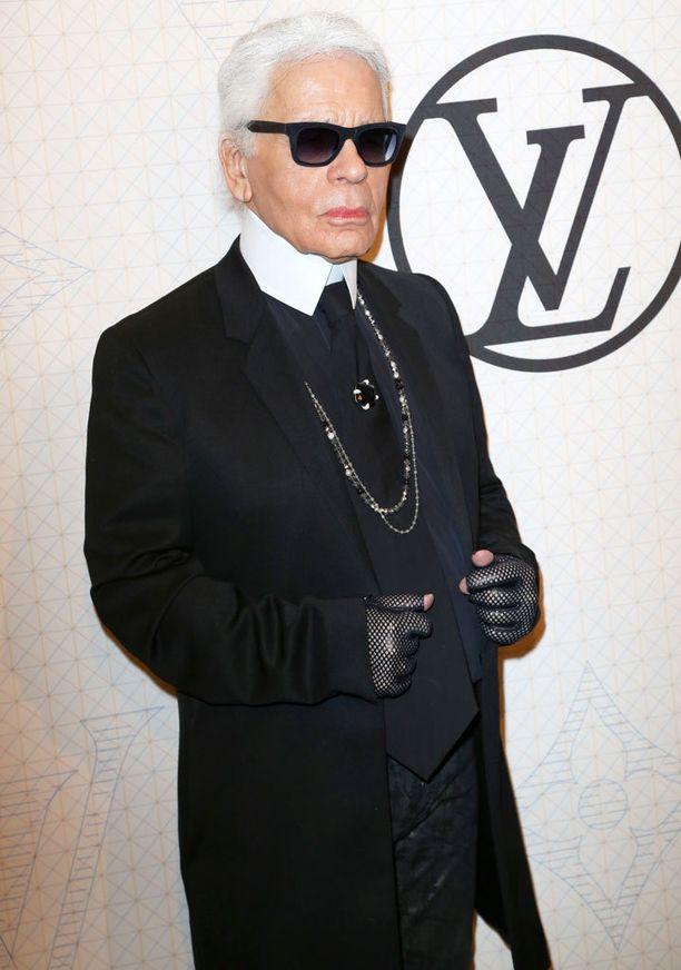 Karl Lagerfeld pitää itseään käsityöläisenä.