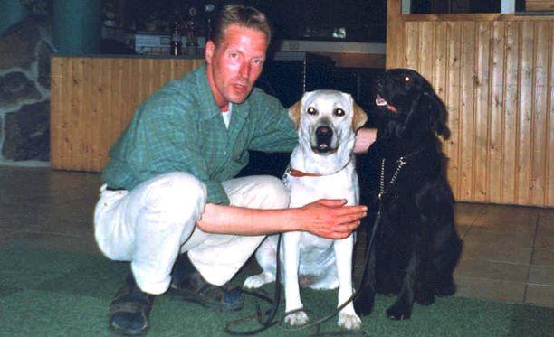 Tarjoilija Pasi Aaltonen, 38, tapettiin teräaseella kotonaan elokuussa 2002.