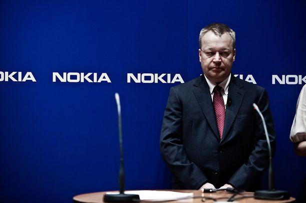 """Stephen Elop teki """"karmaisevia"""" virheitä Nokian johdossa, kirjoittaa David J. Cord kirjassaan."""