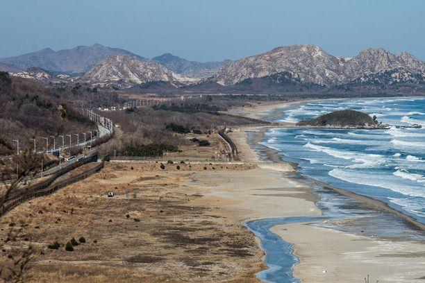 Puusto on kaadettu Pohjois-Korean rajalta demilitarisoidulla vyöhykkeeltä ja sen pohjoispuolelta.