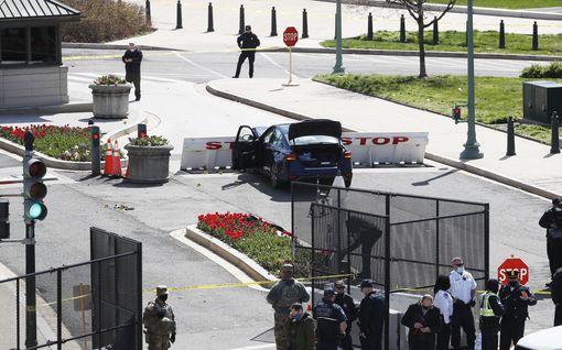 Yksi poliisi kuoli ja toinen loukkaantui hyökkäyksessä Capitolin alueella Yhdysvalloissa – tekijä ammuttiin