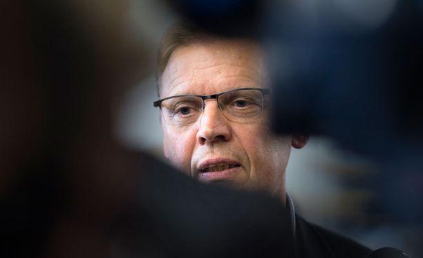 AKT:n irtaantuminen yhteiskuntasopimuksesta yllätti SAK:n Lauri Lylyn.