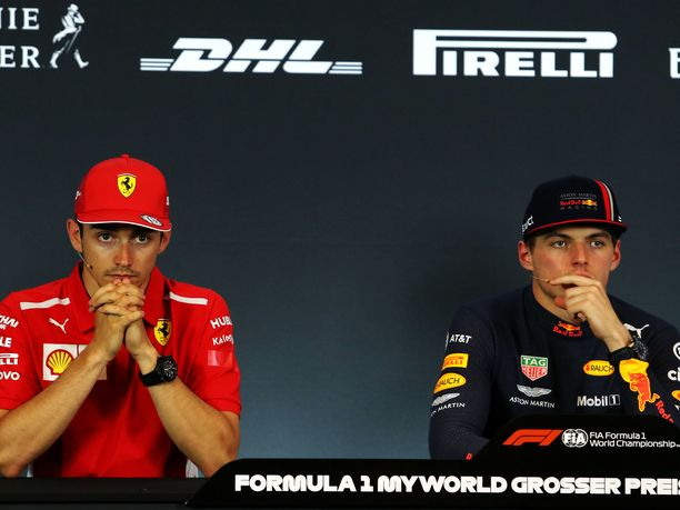 Charles Leclerc ja Max Verstappen olivat keskenään täysin eri mieltä siitä, mitä Itävallan GP:n voiton ratkaisseessa ohitustilanteessa tapahtui. Tuomaristo piti Verstappenin näkemystä oikeana eikä tuominnut hollantilaiselle rangaistusta.