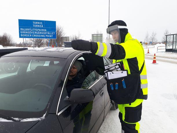 Autoilijaa ohjattiin koronatestiin Suomen rajalla Torniossa tammikuun lopussa.