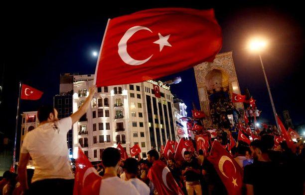 Turkissa tapahtui epäonnistunut vallankaappausyritys viikonloppuna.