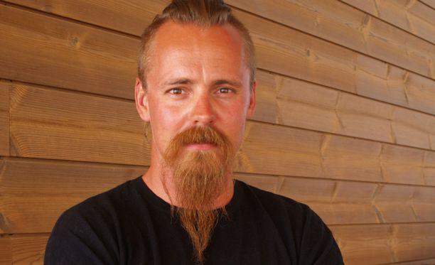 Jasper Pääkkönen esitti Viikingit-sarjassa Halfdan the Blackia.