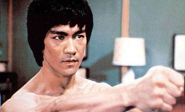 Bruce Lee (kuvassa) oli legendaarisen mestarin Ip Manin tunnetuin oppilas.