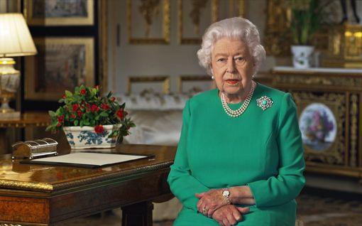 Kuningatar Elisabetin puhe otettiin ilolla vastaan – ensimmäisten kiittäjien joukossa William ja Catherine