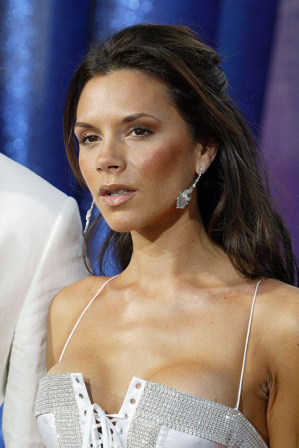 Vuonna 2003 Victoria Beckhamin povi oli melko uhkea.
