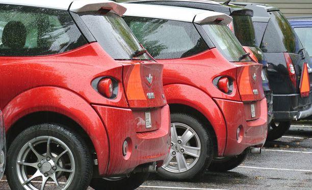 Naapurit ärsyyntyivät kymmeniin mopoautoihin. Kuvan menopelit eivät liity tapaukseen.
