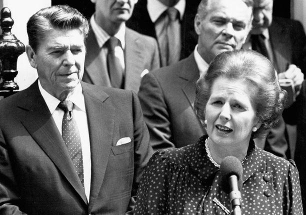 Ronald Reaganin johtama Yhdysvallat ja rautarouva Thatcherin hallitsema Iso-Britannia päätyivät lopulta loiventamaan suhtautumista Neuvostoliittoon.