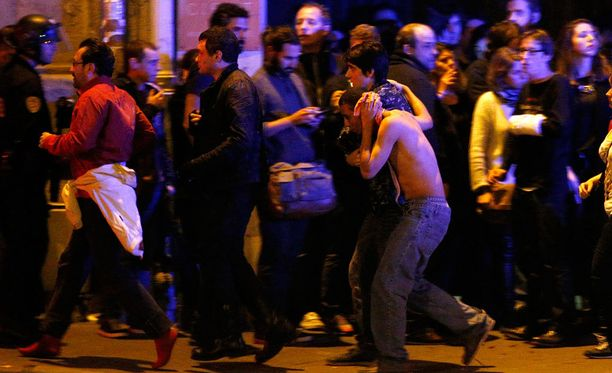 Bataclan-konserttisalista tuli Pariisin iskujen verisin paikka. Kuva konserttisalin ulkopuolelta.