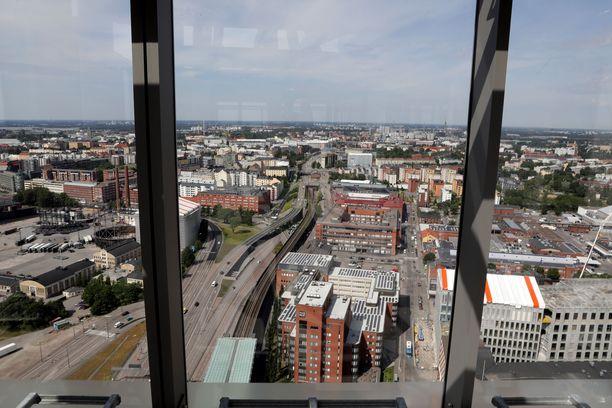 Tällaiset olivat näkemät SRV:n Kalasataman Majakka-tornitalon 33. kerroksesta kesäkuussa 2019.