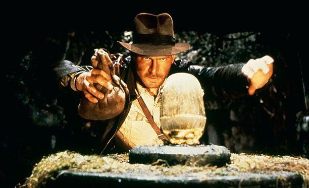 Harrison Fordin Indiana Jones -hahmon hattu on myös huudettavana.