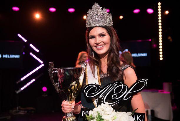 Nina Kallio on hallitsiva Miss Helsinki vielä pari kuukautta. Hän kruunaa seuraajansa marraskuussa järjestettävässä finaalissa.