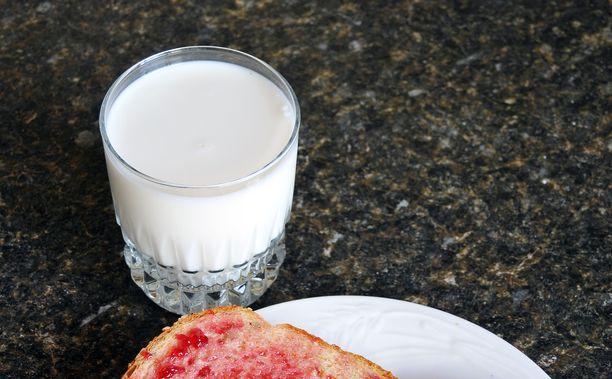 ä Ällöttävää! lapsi totesi maidosta. Se oli liikaa isoisälle.