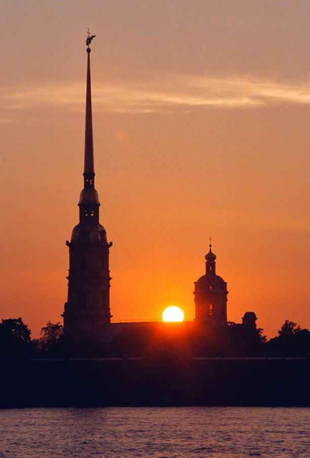 Pietari-Paavalin linnoitus on yksi Pietarin nähtävyyksistä.