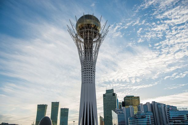 97 metriä korkea Bayterek-torni on yksi Expo-näyttelyä isännöivän Astanan keskeisistä maamerkeistä.
