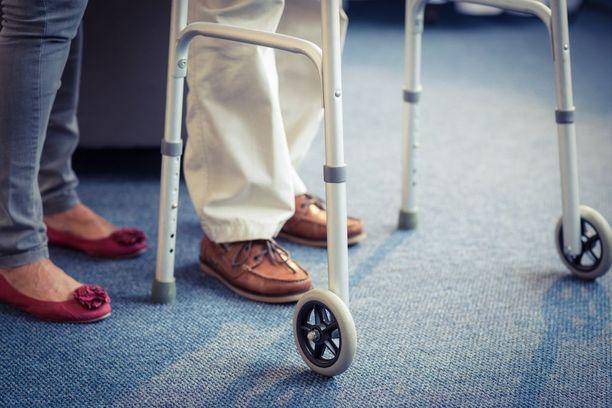 Kotisairaanhoitoyritys huijasi lähes 90-vuotiaalta naiselta perusteettomia hoitomaksuja.