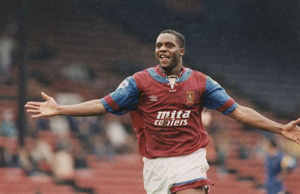 Dalian Atkinson edusti Aston Villaa 1991–1995 ja lopetti uransa 2001. Hän oli kuollessaan 48-vuotias.