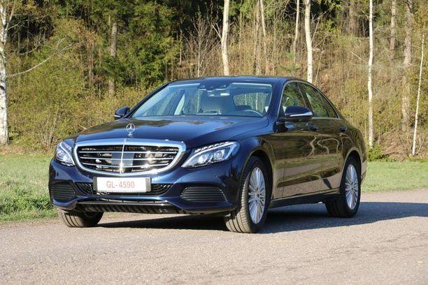 Pienin sedankoppainen Mercedes on muotoiltu liukkaasti.