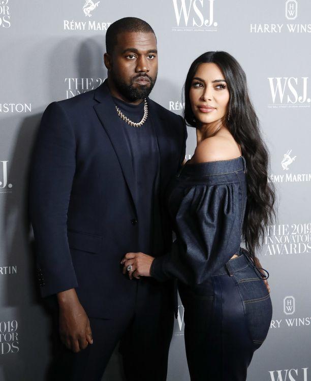 Kanye Westilla ja Kim Kardashianilla on eroprosessi vireillä.