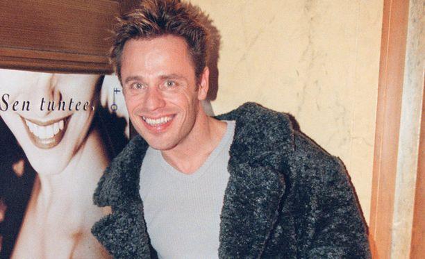 Vuonna 1999 Teuvo Loman osallistui muotinäytökseen.