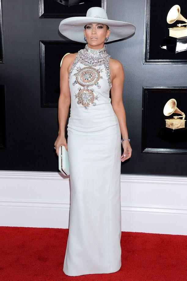 Jennifer Lopez oli työntänyt hatun syvälle päähänsä.