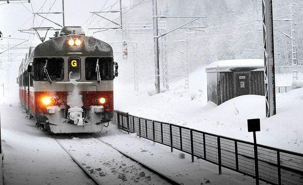 Junavuorot kannattaa tarkistaa etukäteen.