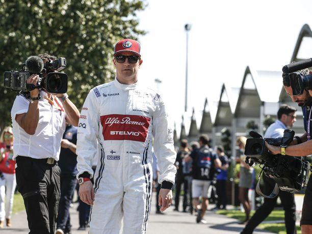 Kimi Räikkönen ei tykkää spekuloida tallien voimasuhteilla etukäteen.