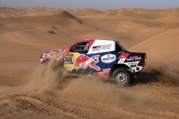 Nasser al-Attiyah selvitti hiekkadyynien asettamat haasteet voittoisasti tämän vuoden Dakar-aavikkorallissa.
