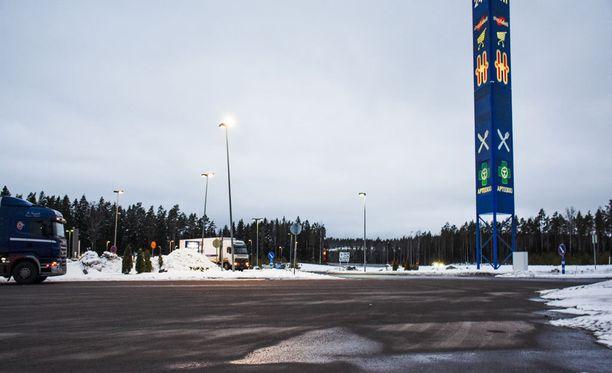 Keskusrikospoliisi kaipaa erityisesti havaintoja Kivihovin takana olevalta teollisuusparkkialueelta, läheltä Teboilia.