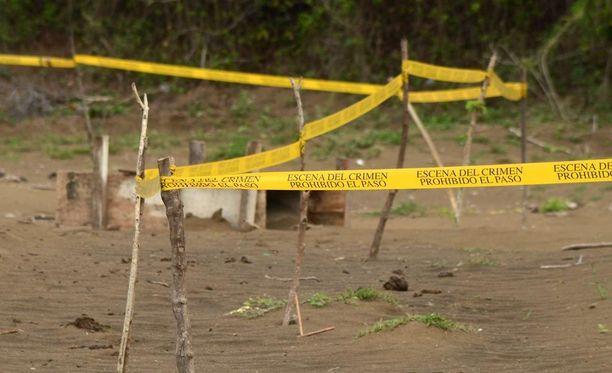 Meksikon poliisi löysi 16. maaliskuuta Veracruzista joukkohaudan, josta löytyi yli 200 ihmisen pääkalloa. Myös kyseisen joukkohaudan uskotaan olevan huumekartellien peruja.