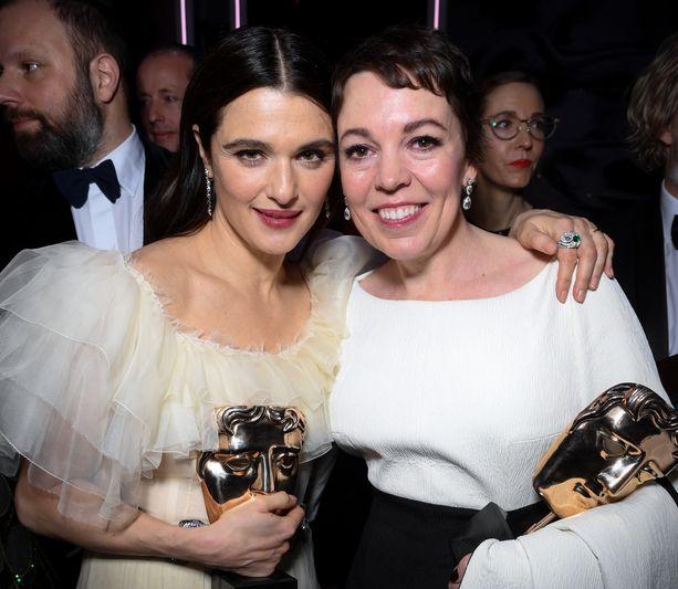 The Favourite -elokuvaa tähdittäneet Rachel Weisz ja Olivia Colman palkittiin rooleistaan sunnuntaina Bafta-gaalassa Lontoossa.