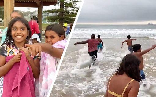 """Lapset näkivät meren ensimmäistä kertaa Australiassa: """"Heidän ilmettään ei pysty sanoin kuvailemaan"""""""