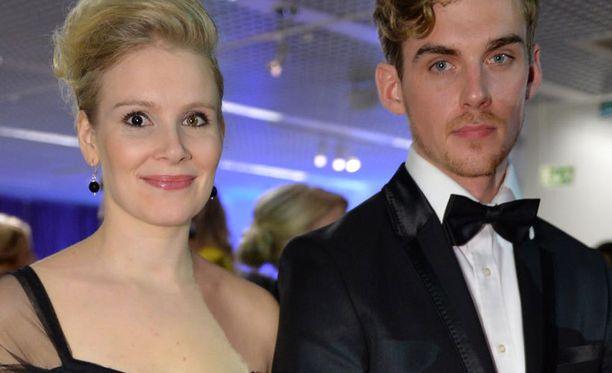 Pamela Tola ja Lauri Tilkanen saivat lapsen.