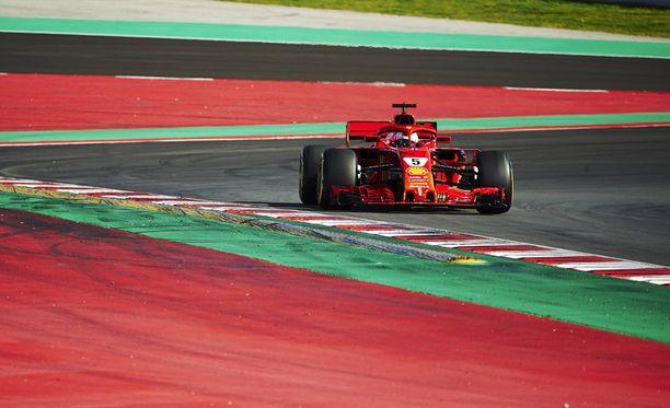 Sebastian Vettel kellotti parhaan ajan tiistain F1-testeissä.
