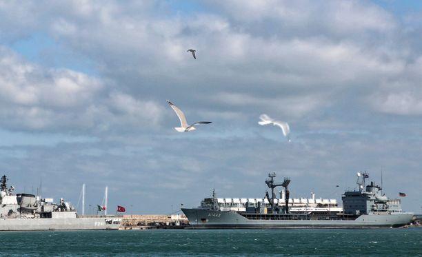 Yhdysvaltalaisalus USS Milius kuvattiin sunnuntaina Varnan satamassa. Nato aloitti tänään harjoituksen Mustallamerellä.