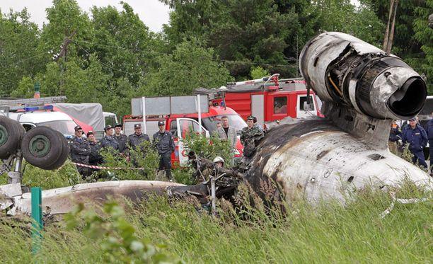 Petroskoin lentoturma vaati ainakin 45 ihmishenkeä.