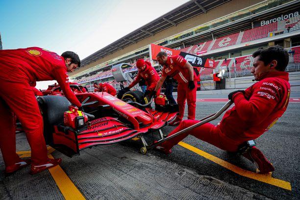 Ferrarin budjetti kuuluu F1-sarjan suurimpiin. Talli ei halua kulukattoa enää alemmas.