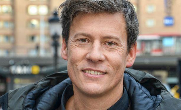 Andreas Norman toimi Thaimaan vuoden 2004 tsunamin jälkeen muun muassa suurlähettiläänä ennen kuin ryhtyi kirjailijaksi.