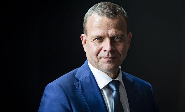 Kokoomuksen puheenjohtaja Petteri Orpo sai tyylikkäimmän puoluejohtajan tittelin Alma Median kyselyssä.